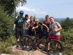 Die Jungs mit Hannes vor beachtlichem Panorama