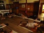 Yoga am Abend: der langgezogene Lemur