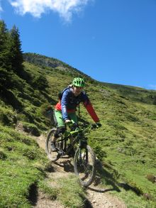 7 Trail durch saftige Wiese